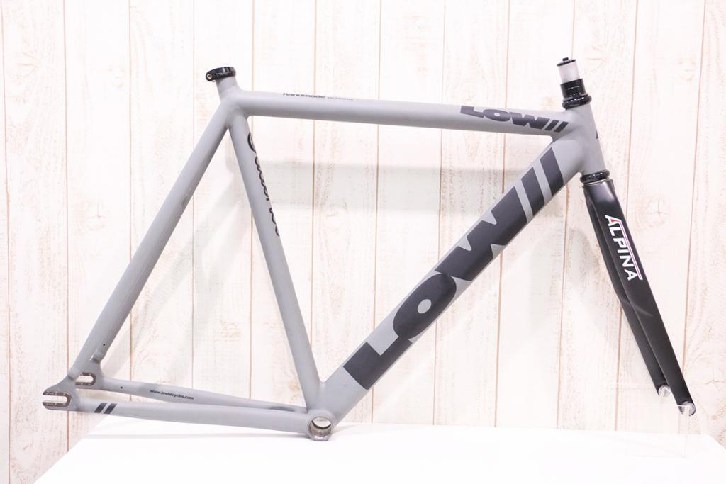 Low BICYCLE(ロウバイシクル) PURSUIT ALPINAフォーク 超美品 買取金額 165,000円